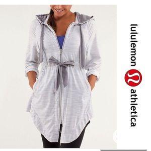 Lululemon Vitality Jacket in Fossil Grey Size 6